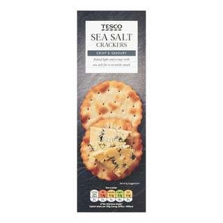 Light & crisp sea salt savoury crackers