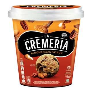 Nestle La Cremeria Ice Cream - Almond Pecan Passion