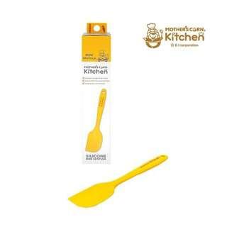 Mother's Corn Silicone Mini Spatula Yellow
