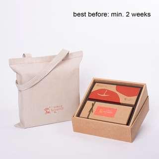 SunnyHills Kougyoku Apple & Pineapple Cake Tarts Gift Set