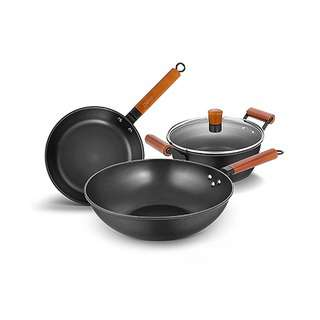 Debo Three Pc Iron Pot Set