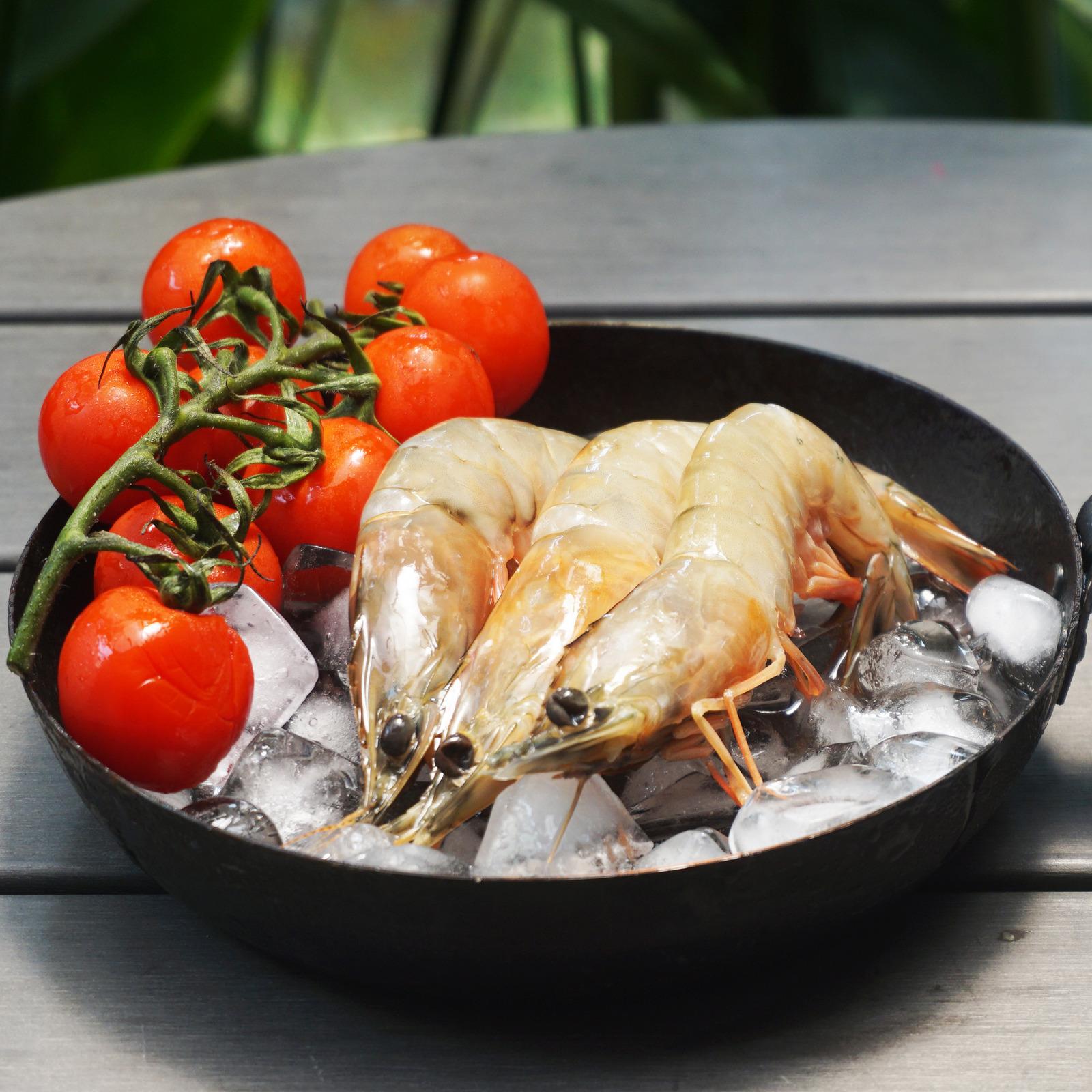 Catch Seafood Live frozen Medium Prawns Head On Shell On (Frozen)